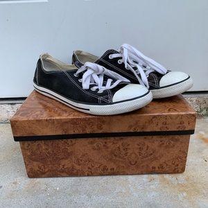 Converse size 8 black
